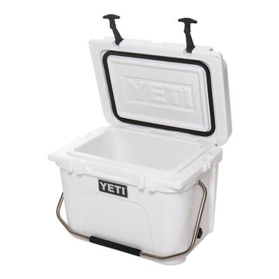 Roadie 20qt Cooler White